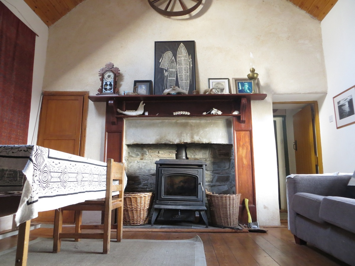 Accommodation yoga and mindfulness meditation retreats for Wall pictures for living room ireland